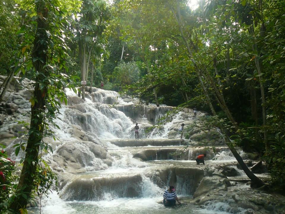 dunn-river-falls-1